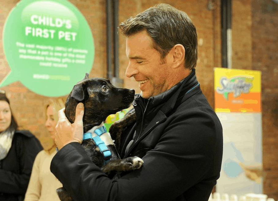 Scott Foley teams with Swiffer for pet adoption #ShedHappens